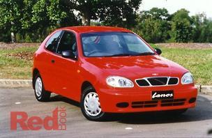 Lanos Hatchback SE