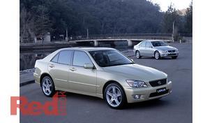 IS200 Sedan