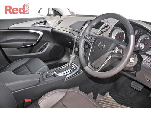 INSIGNIA Sedan Select