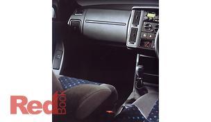 440 Hatchback SE